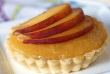 Food: Desserts: Pies and Tarts (Vegetarian or Vegan) / by Kelly N Z Rickard