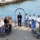Beachfront Weddings / If you seek an intimate wedding for your close friends and family, we have the perfect spot for you. We have several options for ceremony and reception spaces. We provide on site wedding planning services, room blocks, and a list of local caterers.