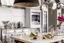 kitchens + dining / by Sarah di Grazia