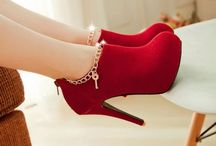 Shoes n Accessories / Cute shoes and accessories  / by Chanelle Cutler