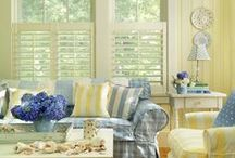 Living Room Decor / by Cindy Connors (Nixon)