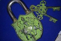Keys, locks, padlocks...