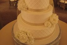 Wedding cakes / Wedding cakes / by Chanelle Cutler