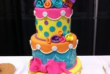 Cupcakes/Cakes / by Chanelle Cutler