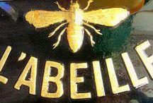 L'Abeille - The bee...