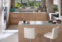 ARAGON PASTEL OAK / Wenn Landhausstil auf Moderne trifft: Die Landhausküche Aragon Pastel Oak bringt Gemütlichkeit in Dein Zuhause. Lass Dich von der modernen Optik des Landhausklassikers begeistern! Jetzt klicken und Traumküche finden!