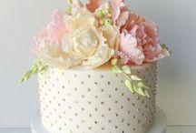 Pretty Cakes & Cupcakes / by Gii Gi
