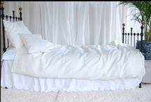 almahouse.se / Me and my sisters webshop. High quality bedlinen.Silk and velvet fabrics.