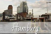 Hamburg / Hamburg sagt man nicht umsonst nach, dass sie die schönste Stadt der Welt ist. In Hamburg gibt es jede Menge interessante Orte und Sehenswürdigkeiten. Hamburg ist vielfältig: Fischmarkt, Hafencity, Reeperbahn, Speicherstadt, Landungsbrücken, Schanzenviertel, Elbphilharmonie, Elbe und Alster. Daher findet ihr auf meinem Blog auch immer mal wieder Highlights und Tipps aus meiner Heimatstadt gespickt mit jede Menge Bildern für eure nächste Reise. Kurz Ich liebe Hamburg!