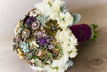 Brooch/pin ideas / by Angela Croissant