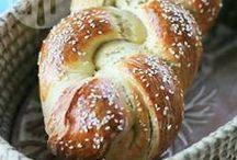 Pães caseiros / Receitas selecionadas de pães doces, salgados, roscas, pães de forma, pães de liquidificador e mais, tudo muito delicioso!