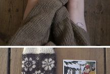 Knitting / Knitting socks to free the elves.