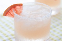 Cocktail Recipes / Cocktails Recipes To Try / by Crystal Villela Melendez