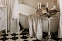 Bathrooms / by Ina Kusters