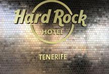 Hard Rock hotel Tenerife / Het leuke van mijn werk is dat je een uitnodiging krijgt om kennis te maken met nieuwe hotels. Als echt fan van de Hard Rock cafés hoefde ik niet na te denken toen ik dit hotel mocht ontdekken. Het hotel ligt in Playa Pariaso op Tenerife. Het heeft van alles te bieden voor jong en oud. Meerdere zwembaden, 3 a la carte restaurants, sportbar, Miniclub en een uitgebreid hotel. Wil je ook een keer naar dit geweldige hotel neem dan contact met mij op. #hrhtenerife #apolloathome