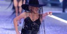Lady Gaga de Victoria Secret Fashion Show 2016 / Armario de Lady Gaga Desfile de Modas Victoria Secret 2016 (Fashion Show) fue impresionante como los modelos.