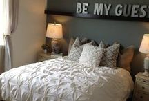 Guest Bedroom Ideas / Give your overnight guests the comfort they deserve!
