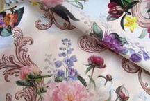 Textiles - Tesaturi / O varietate minunata de materiale textile: acqard, damask, catifele opulente, printuri ce pot fi folosite atat in procesul de tapitare cat si in decorarea interioarelor.
