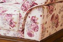 Sofas & Armchairs - Canapele & Fotolii / Modele de canapele si fotolii din stiluri diferite potrivite unui living room elegant. Piesele de mobilier sunt realizate din lemn masiv si pot fi tapitate la comanda cu o selectie completa de materiale textile.