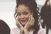 Rihanna  / Deusa
