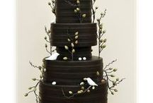 Pasteles para xv años en color negro / Pasteles para xv años en color negro http://ideasparamisquince.com/pasteles-xv-anos-color-negro/ #Pastelesparaxvañosencolornegro
