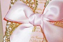 Invitaciones en Color Rosa para 15 años / Invitaciones en Color Rosa para 15 años http://ideasparamisquince.com/invitaciones-color-rosa-15-anos/ #diseñosdeinvitacionespara15añosencolorrosa #ideasparahacerinvitacionesdexvaños #invitacionesde15años #invitacionesde15añoselegantesymodernas #invitacionesde15añosparaeditareimprimirgratis #InvitacionesenColorRosapara15años #invitacionespara15añosencolorrosa