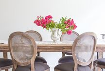 Dining Room / Romantic, airy, comfortable dining rooms that you can enjoy with your loved one.