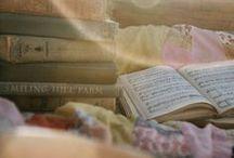 Livres / by Alexandra X