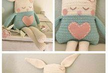  crochet, knit, & sew 