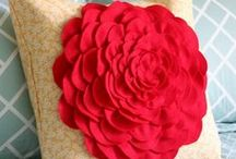 Home Decor Craft Ideas / A gallery of craft ideas for decorating your home.