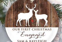 Cute ways to announce your engagement in winter / Did you get engaged this Christmas? Check out these cute ways to tell your friends and family