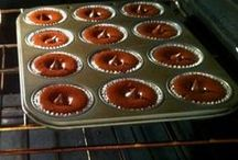 Cake or Cupcakes or Muffins / by Diana Magelssen
