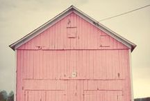 [barn] Dance <3 / To dress up an old barn is divine!