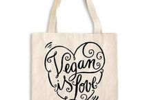 Women's Vegan Accessories / Vegan and cruelty-free handbags, shoulder bags, wallets, totes, belts, clutches and more! The best accessories for women that we can find.