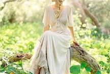Wedding Dresses / Here you can find many wedding dresses for your woodland wedding