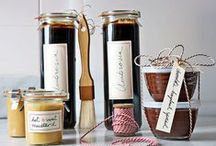 DIY: Homemade Gift Ideas / DIY Homemade and handmade Gift Ideas for Christmas, Birthdays and all occasions.
