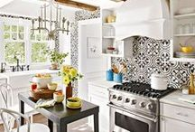 HOME: Kitchen's I Love / We all dream of an amazingly beautiful Kitchen. Here is some Kitchen Eye Candy for you! Find inspiration for updating your kitchen.