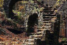 House & Castle Ruins