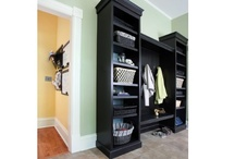Mudrooms / Spaces to keep your home and family organized with mudrooms, cubbies, hooks, shelves and clever storage and organizing solutions.