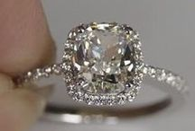 Engagement ring inspiration / Engagement rings that sparkle