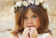 NIÑAS DE ARRAS / Vestidos y trajes de arras, ceremonias y celebraciones.  Personalizamos a tu gusto. www.niñosdeboda.com ☎ (+34) 687479686  ninosdeboda@gmail.com https://www.facebook.com/ninosdebodamadeinSpain/