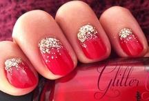 Glitter Gradient Gold Red Nails Christmas Inspired / Glitter Gradient Gold Red Nails Christmas Inspired #gradientnails #diy #tutorial #stepbystep #howto #christmas #glittersgradientnails #reverse #naildesign / by Helen Nguyen