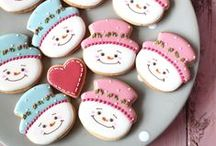 Winter Cookies / A collection of winter-themed decorated cookies