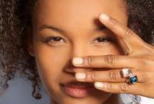 ROSALIE Trend-Schmuck / Roséfarbener Schmuck aus Edelstahl!  Stylischer Hautschmeichler. Der sanfte Farbton lässt deine Haut strahlen. Zudem harmoniert er wunderbar mit den farbigen Kristallen - ein Must-Have für Trendsetter. #QStyle #Qjewelry