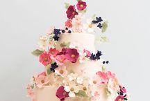 Fondant / Cake decorating ideas, pretty cakes.
