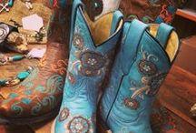 Stuff I should own! / by Melissa Tompkins
