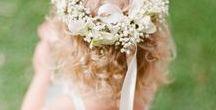Couronnes de fleurs - Petites filles d'honneur / Parce que les petites filles sont très souvent mises à l'honneur et parce qu'elles aiment avoir de jolies fleurs dans les cheveux ...