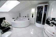 Bathrooms / by Chloe Fox