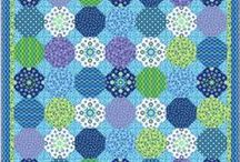 Snowball Quilts / by Diane B