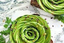 Food - Vegan / Fruits et légumes sont les stars de ce tableau ! Découvrez nos coups de coeur food et nos meilleures recettes végétariennes. Breakfast, brunch, soupe, salade ou healthy bowl, il y en a pour tous les goûts !
